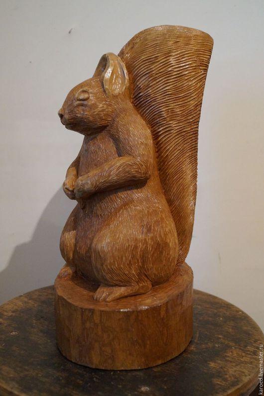 """Статуэтки ручной работы. Ярмарка Мастеров - ручная работа. Купить Статуэтка """"Белка"""". Handmade. Коричневый, статуэтка из дерева"""