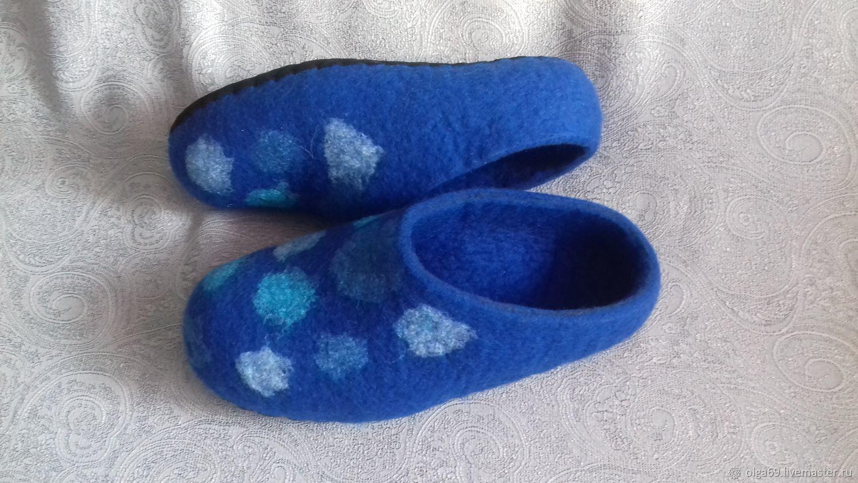 """Обувь ручной работы. Ярмарка Мастеров - ручная работа. Купить Тапочки валяные мужские """"В горошек"""". Handmade. Тапочки валяные"""