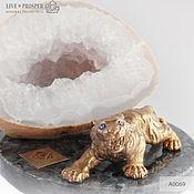 Подарки к праздникам handmade. Livemaster - original item Bronze tiger with accents of demantoid garnet with agate drosou. Handmade.