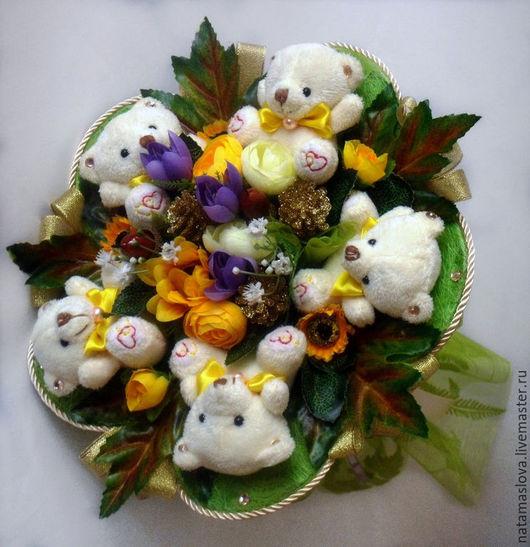 Букет из мягких игрушек мишек Осенняя сказка