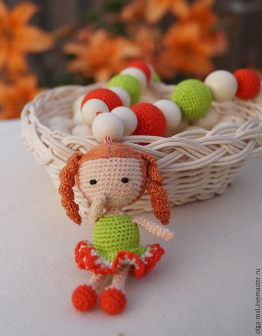 Слингобусы - оригинальный и полезный подарок для мамы и малыша.Слингобусы собраны из обвязанных и не обвязанных бусин.