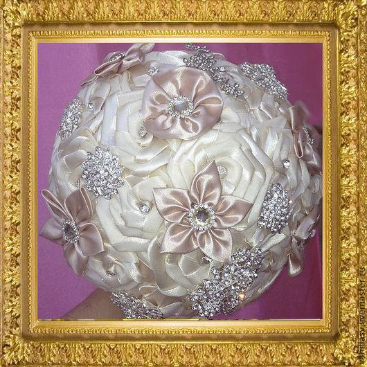 Свадебные цветы ручной работы. Ярмарка Мастеров - ручная работа. Купить Брошь-букет. Handmade. Бежевый, свадебный букет
