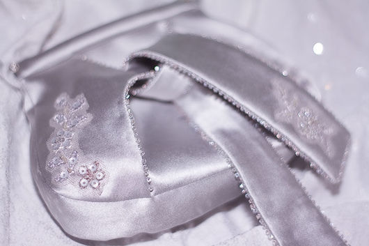 Одежда и аксессуары ручной работы. Ярмарка Мастеров - ручная работа. Купить Атласная свадебная сумочка. Handmade. Авторская сумка, серебряный