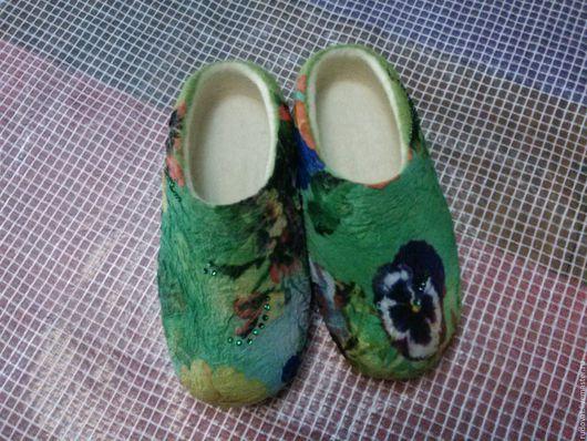 Обувь ручной работы. Ярмарка Мастеров - ручная работа. Купить Валяные тапочки.. Handmade. Зеленый, валяные тапочки
