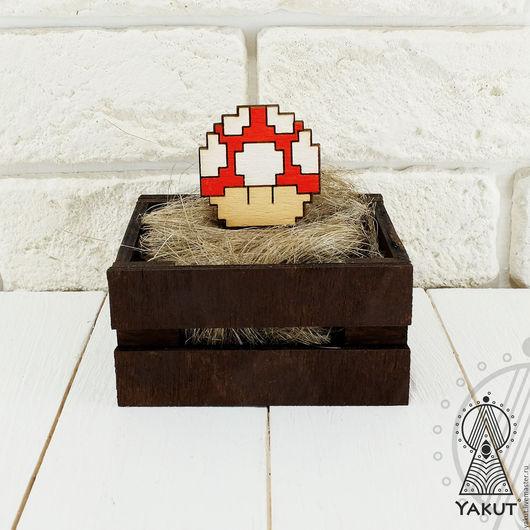 Броши ручной работы. Ярмарка Мастеров - ручная работа. Купить Деревянный значок Грибочек Марио 8-бит / деревянная брошь. Handmade.