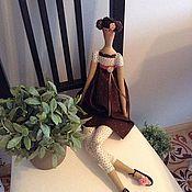 Куклы и игрушки ручной работы. Ярмарка Мастеров - ручная работа Тильда В шоколадно-сливочном платье. Handmade.