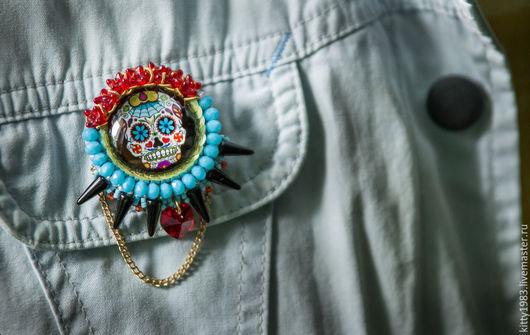 """Броши ручной работы. Ярмарка Мастеров - ручная работа. Купить Брошь """"Череп"""" радужный (брошь веселый череп, голубой, красный). Handmade."""