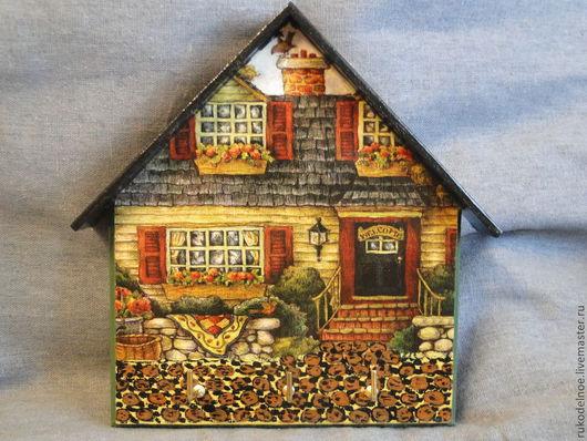 """Прихожая ручной работы. Ярмарка Мастеров - ручная работа. Купить Ключница """"Дом с мезонином"""". Handmade. Тёмно-зелёный, ключ, Решение"""