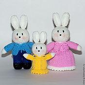 """Куклы и игрушки ручной работы. Ярмарка Мастеров - ручная работа вязаные игрушки """"Семейка кроликов"""". Handmade."""