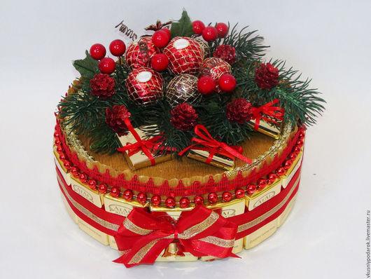 """Новый год 2017 ручной работы. Ярмарка Мастеров - ручная работа. Купить Торт из шоколада """"Новогодняя фантазия"""". Handmade. Ярко-красный"""