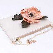 Сумки и аксессуары handmade. Livemaster - original item The clutch is light beige with coral poppy art. 246. Handmade.