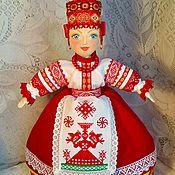 Народная кукла ручной работы. Ярмарка Мастеров - ручная работа Кукла в русском стиле с ручной вышивкой-оберегом на чайник.. Handmade.