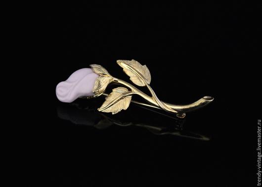 Винтажные украшения. Ярмарка Мастеров - ручная работа. Купить Нежная винтажная брошь от Avon. Handmade. Золотой, розовая роза, винтаж