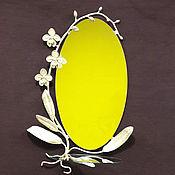 """Для дома и интерьера ручной работы. Ярмарка Мастеров - ручная работа Зеркало в кованой раме """" Орхидея """" со стеклянной полочкой. Handmade."""