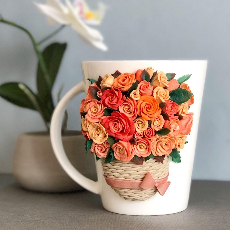 Открытка на 8 марта цветы в чашке