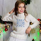 """Работы для детей, ручной работы. Ярмарка Мастеров - ручная работа Джемпер """"Новогодний"""" для девочки. Handmade."""