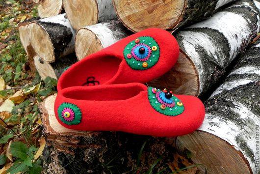 """Обувь ручной работы. Ярмарка Мастеров - ручная работа. Купить Валяные тапочки """"Для нее, а может... для него"""" р. 42. Handmade."""
