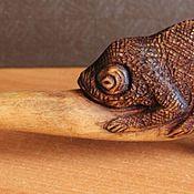 Посуда ручной работы. Ярмарка Мастеров - ручная работа Деревянная ложка с хамелеоном. Handmade.