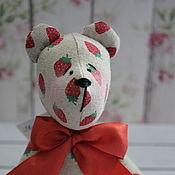 Куклы и игрушки ручной работы. Ярмарка Мастеров - ручная работа Тильда Мишка. Клубничное облако. Текстильный мишка. Ягода. Handmade.