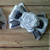 Украшения handmade. Livemaster - original item Elegant white and blue bows with roses to school on September 1. Handmade.