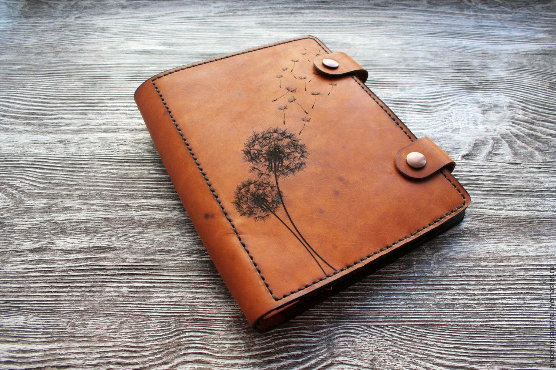 Подарки из кожи блокноты