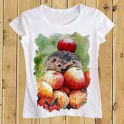 Одежда ручной работы. Ярмарка Мастеров - ручная работа футболка Ёжик в яблоках. Handmade.