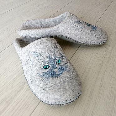 Footwear handmade. Livemaster - original item Felted women`s Slippers. Handmade.