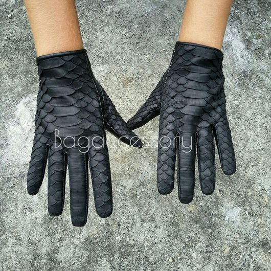 Варежки, митенки, перчатки ручной работы. Ярмарка Мастеров - ручная работа. Купить Женские перчатки из натуральной кожи и кожи питона. Handmade.