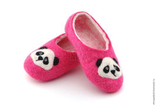 Обувь ручной работы. Ярмарка Мастеров - ручная работа. Купить Детские войлочные тапочки Панда. Handmade. Войлочные тапочки