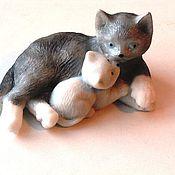 Мыло ручной работы. Ярмарка Мастеров - ручная работа Кошка с котёнком. Handmade.