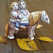"""Для дома и интерьера ручной работы. Ярмарка Мастеров - ручная работа """"Парочка на лошадке"""" Майолика. Handmade."""