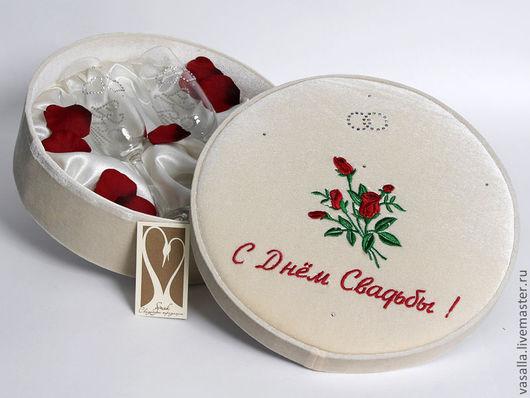 Подарки на свадьбу ручной работы. Ярмарка Мастеров - ручная работа. Купить Свадебные бокалы в коробке. Handmade. Бежевый, свадебный подарок