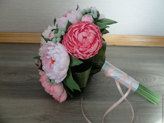 Свадебные цветы ручной работы. Ярмарка Мастеров - ручная работа. Купить Классический букет невесты с розовыми пионами из полимерной глины. Handmade.