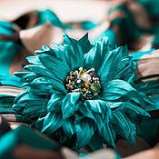 Украшения ручной работы. Ярмарка Мастеров - ручная работа Изумрудная брошь цветок с жемчугом. Handmade.