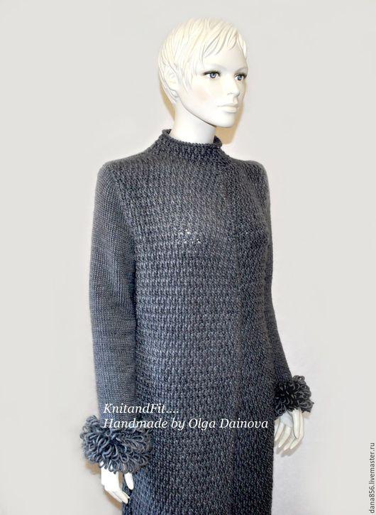 Пальто. Пальто крючком. Пряжа Италия. Длинное пальто ручной работы из Итальянской пряжи ( меринос). Пальто связано крючком и спицами.