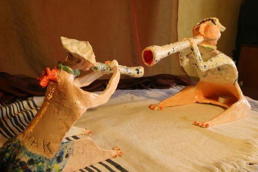 Статуэтки ручной работы. Ярмарка Мастеров - ручная работа. Купить Керамическая статуэтка. Клара украла у Карла..... Handmade. Керамика, статуэтка