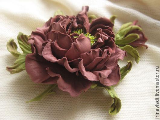 украшение из кожи брошь заколка каштановая роза купить,кожаная брошь цветок роза бежевая заколка для волос из кожи, обруч для волос с цветами, темно бежевый цветок брошка заколка -автомат для волос