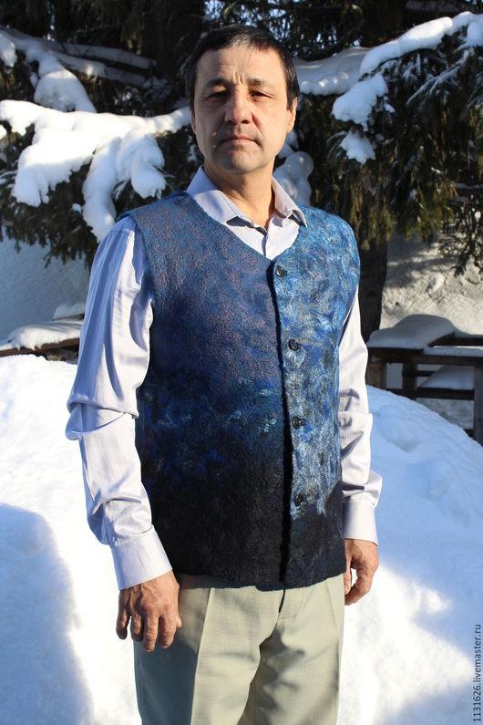 """Для мужчин, ручной работы. Ярмарка Мастеров - ручная работа. Купить Валяный мужской жилет """"Синий"""". Handmade. Тёмно-синий"""