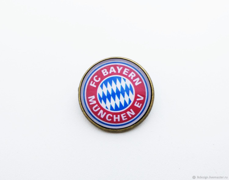 Показать значок футбольного клуба бавария