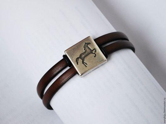 Браслеты ручной работы. Ярмарка Мастеров - ручная работа. Купить Кожаный браслет с большой бусиной лошадь, коричневый. Handmade. Коричневый, лошадь