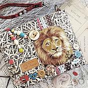 Сумки и аксессуары ручной работы. Ярмарка Мастеров - ручная работа Royal baby КЛАТЧ сумка лев синий бежевый корона дети Италия купить. Handmade.