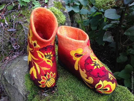 Обувь ручной работы. Ярмарка Мастеров - ручная работа. Купить Тапочки «Золотые маки» Хохлома. Handmade. Тапочки валяные