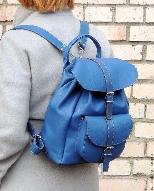Рюкзак «Лагуна» аксессуар, в котором сочетаются внешняя яркость, комфорт и удобство — каждый день.