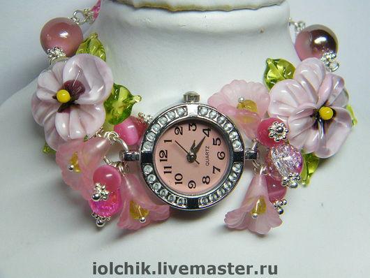 """Часы ручной работы. Ярмарка Мастеров - ручная работа. Купить Часы """"Яблоневый цвет"""". Handmade. Фиалки, оригинальный подарок, кракелюр"""