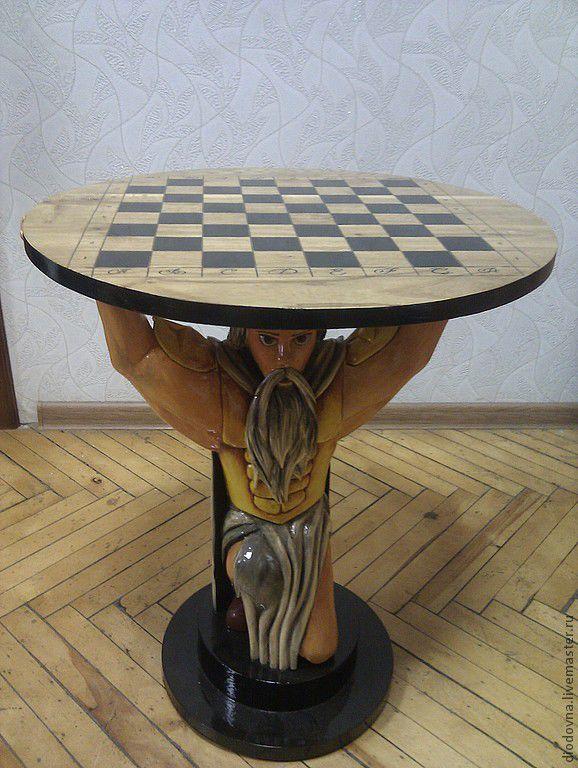 Чайный столик  магазине из дерева