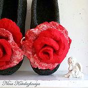 Обувь ручной работы. Ярмарка Мастеров - ручная работа Валяные тапочки Красная роза Тапочки для дома Шерстяные тапочки. Handmade.