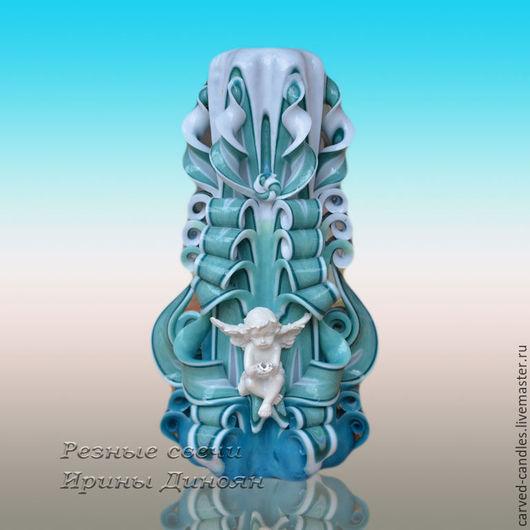 Резная свеча `Ангел - Бирюза` - вид спереди. Резная свеча `Ангел- Бирюза` Резная свеча ручной работы. Большая свеча.