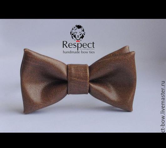 Галстуки, бабочки ручной работы. Ярмарка Мастеров - ручная работа. Купить Галстук бабочка Sepultura / кожаная светло коричневая бабочка-галстук. Handmade.