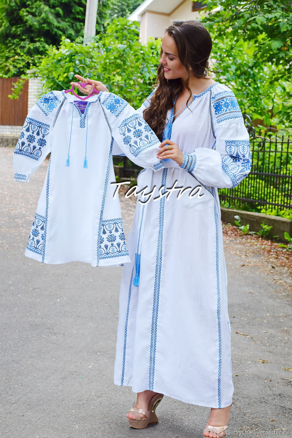 Mother and daughter Vyshyvanka Embroidery Linen, Ukrainian embroidery, Dresses, Chernovtsy,  Фото №1
