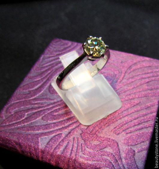 Кольца ручной работы. Ярмарка Мастеров - ручная работа. Купить Кольцо с Муассанитом 0,98 Ct бриллиант созданный. Handmade.
